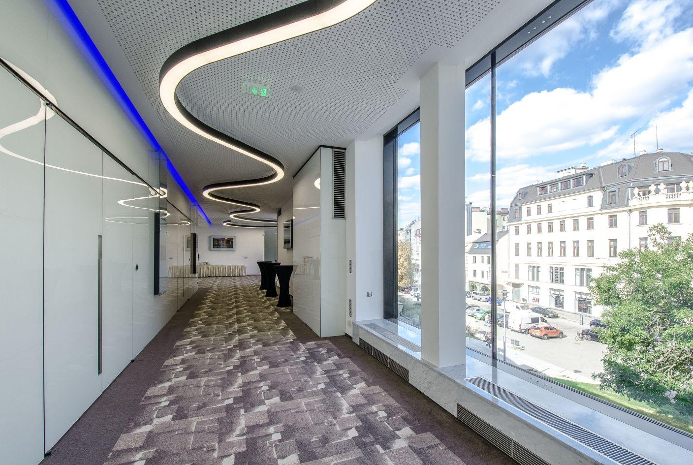 Hotel International v Brně, foyer před salonky