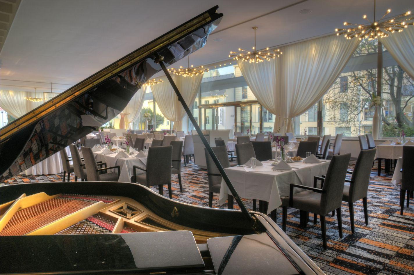 Hotel International v Brně, restaurace Lucullus