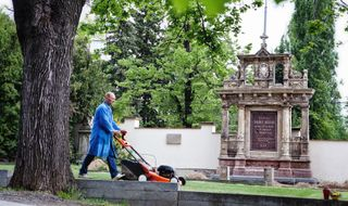 Augustiniánská hrobka na Ústředním hřbitově v Brně - Mendel
