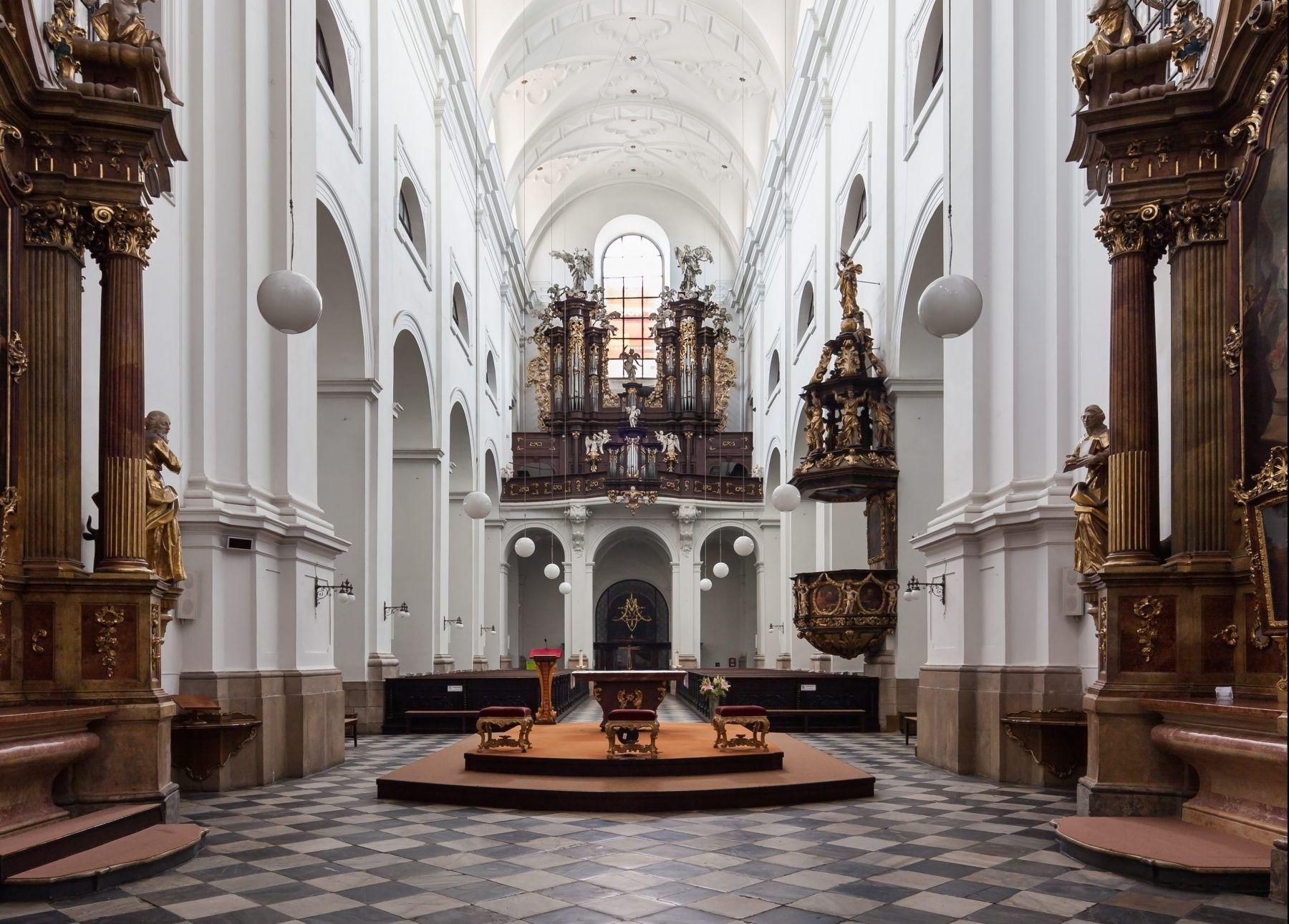 Kostel sv. Tomáše v Brně na Moravském náměstí - interiér