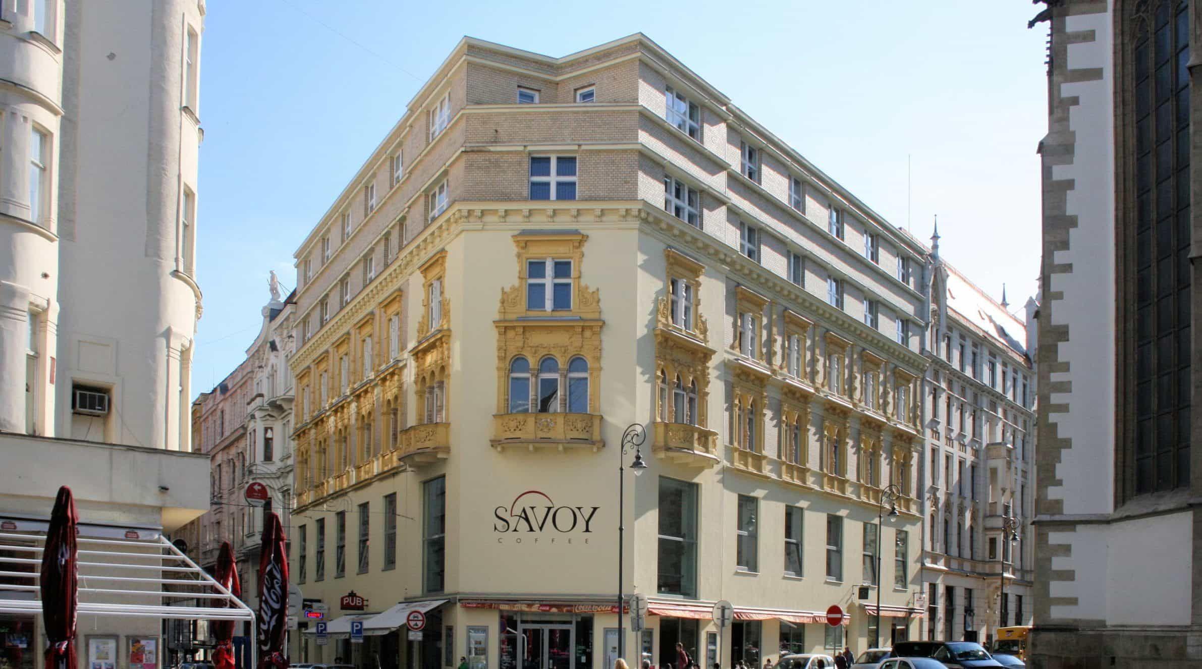 Kavárna Savoy na Jakubském náměstí