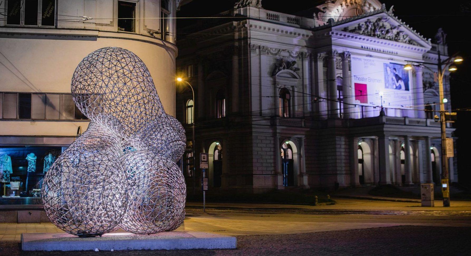 Plastika na počest Edisonovi v Brně