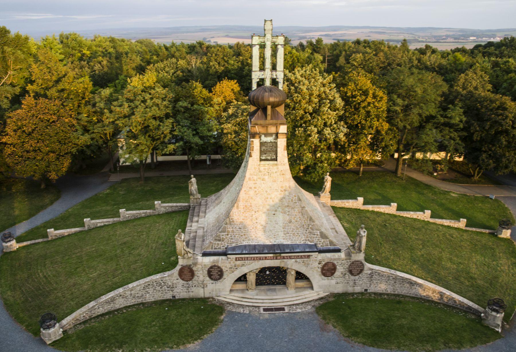 Slavkovské bojiště - Mohyla míru v okolí Brna
