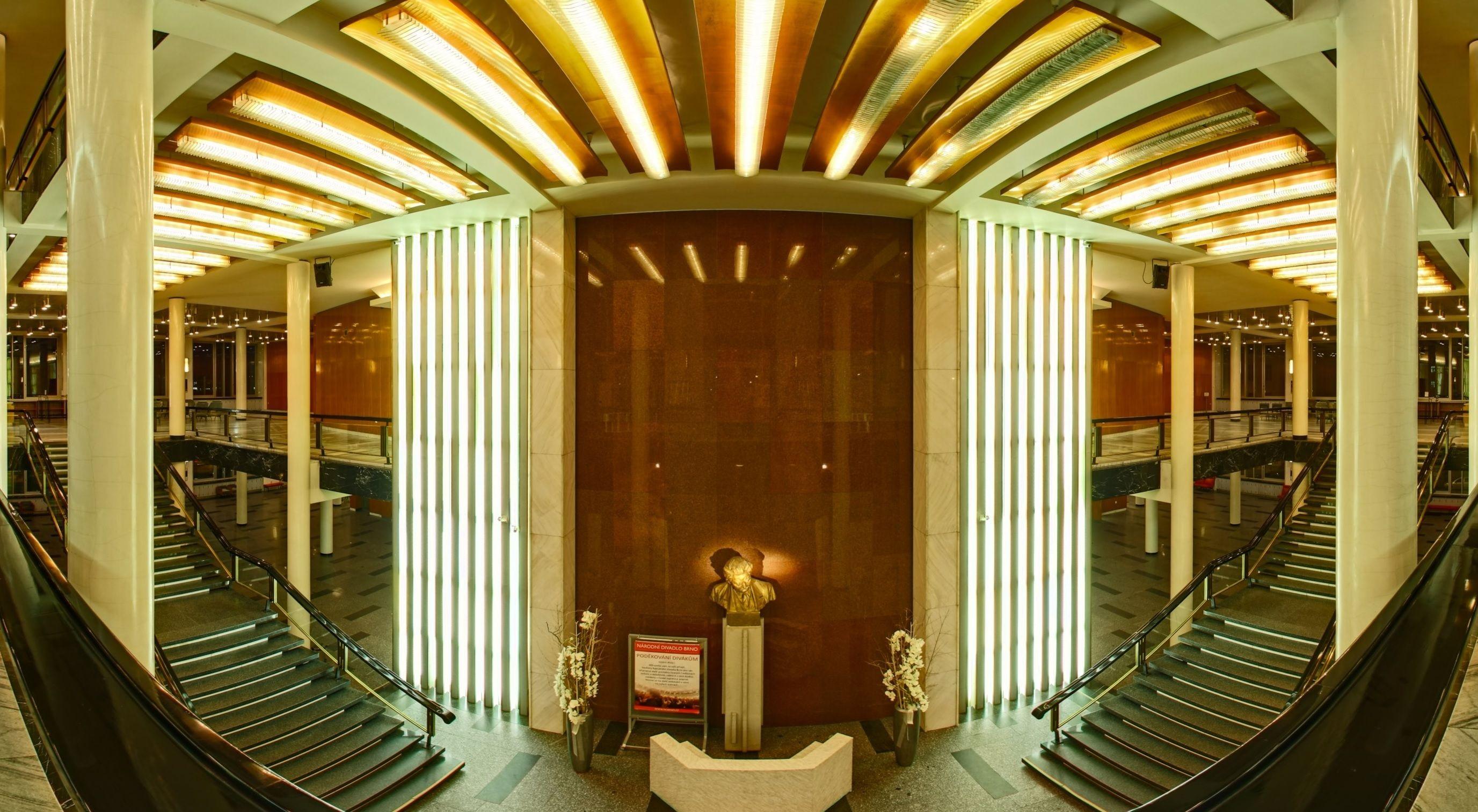 Janáčkovo divadlo v Brně foyer