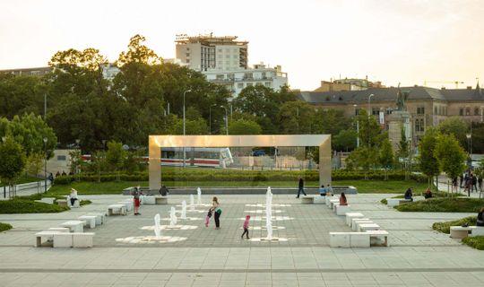 Světelná fontána před Janáčkovým divadlem, Jan Cága