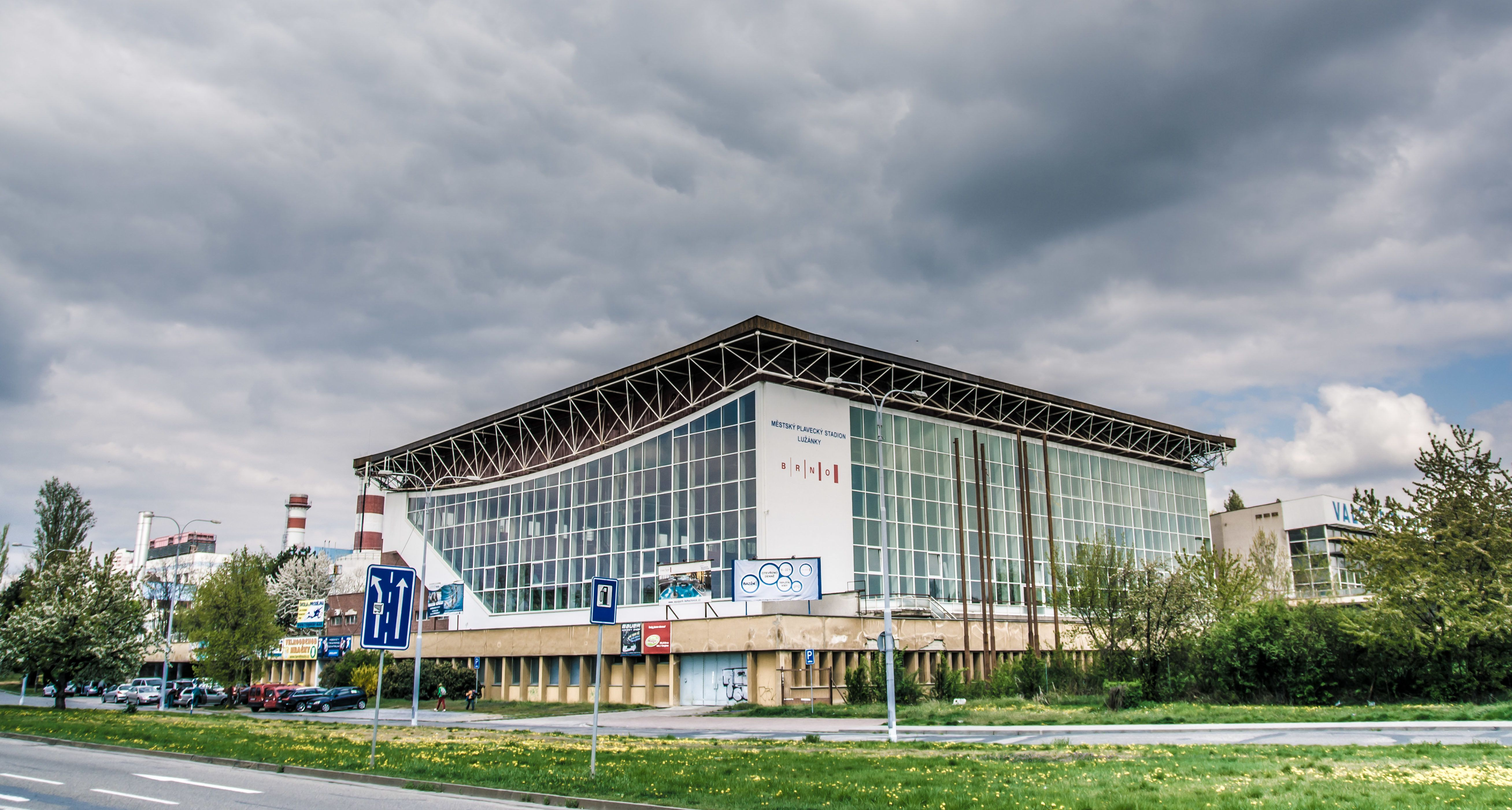 Městský plavecký stadion Lužánky v Brně