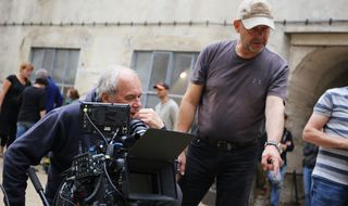 """Natáčení filmu """"Nabarvené ptáče"""" v brnìnské káznici. Režisér Václav Marhoul."""