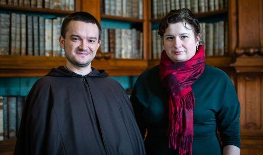 P. Cyril Josef Komosný, OFMCap. a Kateřina Hlouchová, (c) Františka Foto