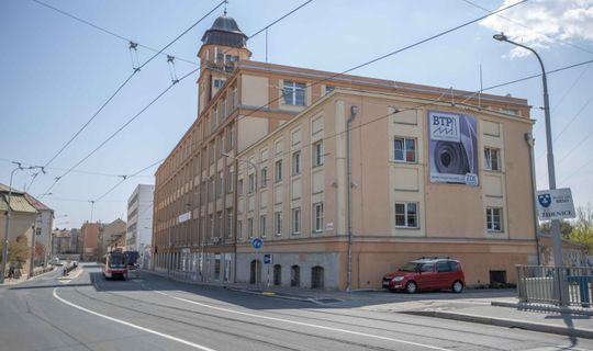 Budova bývalého národního podniku Mitop © Jan Pochylý